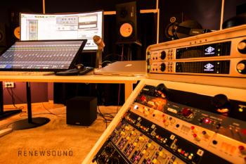 звукозаписно студио, микрофонни преампи, конвертори, монитори, universal audio, neve, api, ssl, focusrite, sebatron, la610
