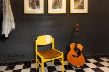 Звукозаписно студио RENEWSOUND - Kitchen, Martin Guitar