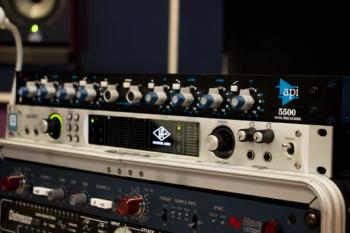 API 5500 @ RENEWSOUND studio productions, аудио звукозаписно студио в София